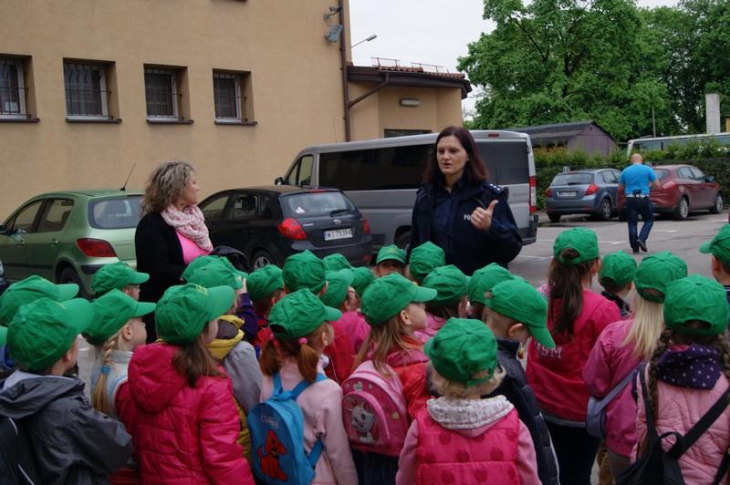 Zabezpieczony: Wizyta w Komendzie Powiatowej w Wołominie – Motylki i Koniczynki