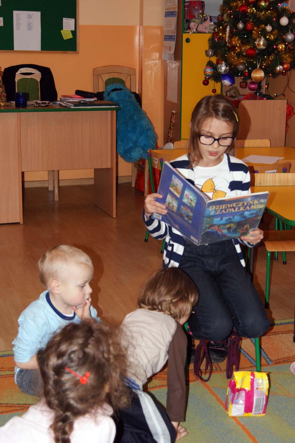 Zabezpieczony: W Rumiankach książki czyta siostra Karola