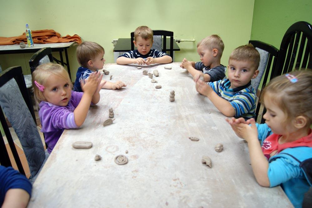 Warsztaty ceramiczne w MOK – SZAFIRKI