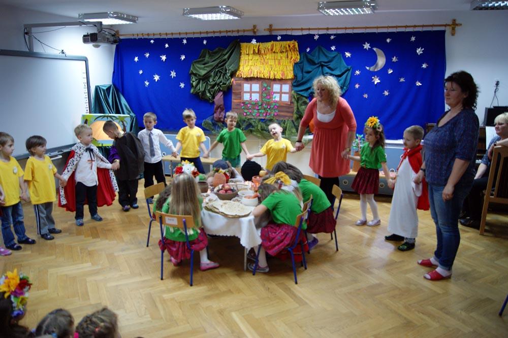 Dzień Słowiański w przedszkolu przygotowany przez Rumianki