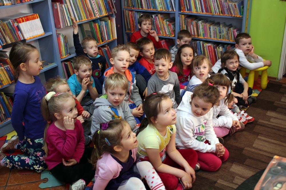 Rumianki – zajęcia w bibliotece