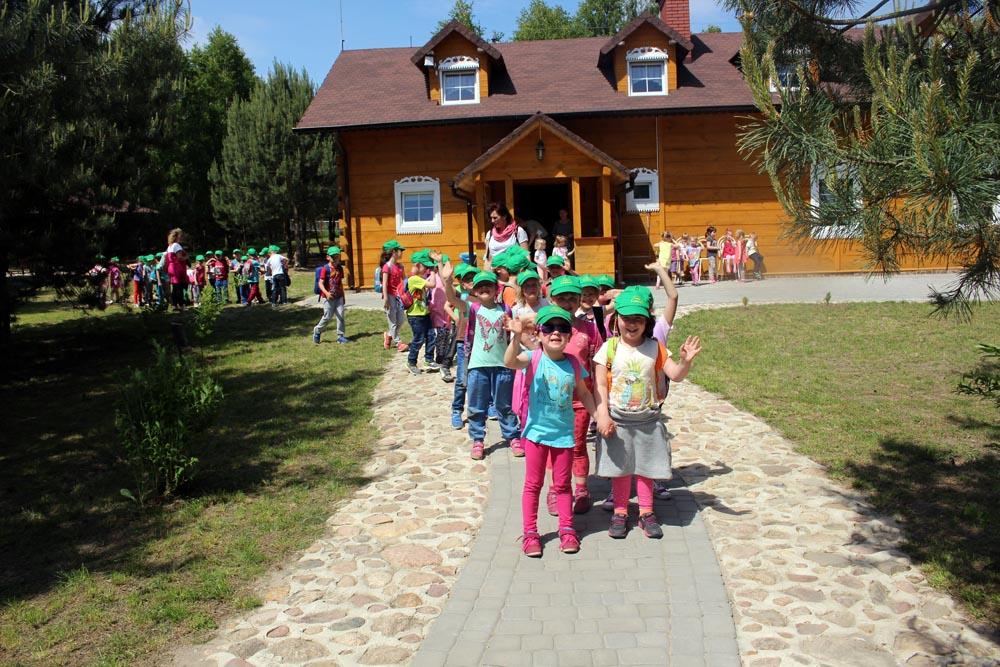Całodzienna wycieczka do Doliny Bobrów z okazji Dnia Dziecka