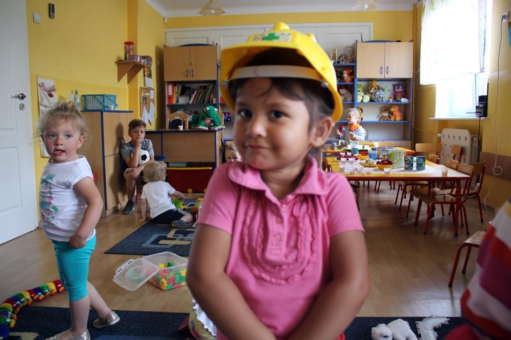 Zajęcia adaptacyjne z dziećmi prowadzone przez nauczycielki grupy
