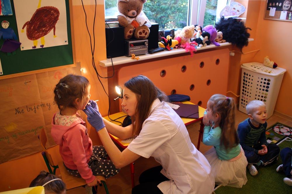 Profilaktyka jamy ustnej – zajęcia z higienistką Kryształki i Groszki