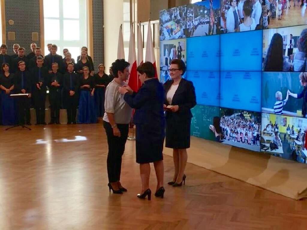 Pani Dyrektor Beata Krajewska odznaczona złotym Medalem za Długoletnią Służbę