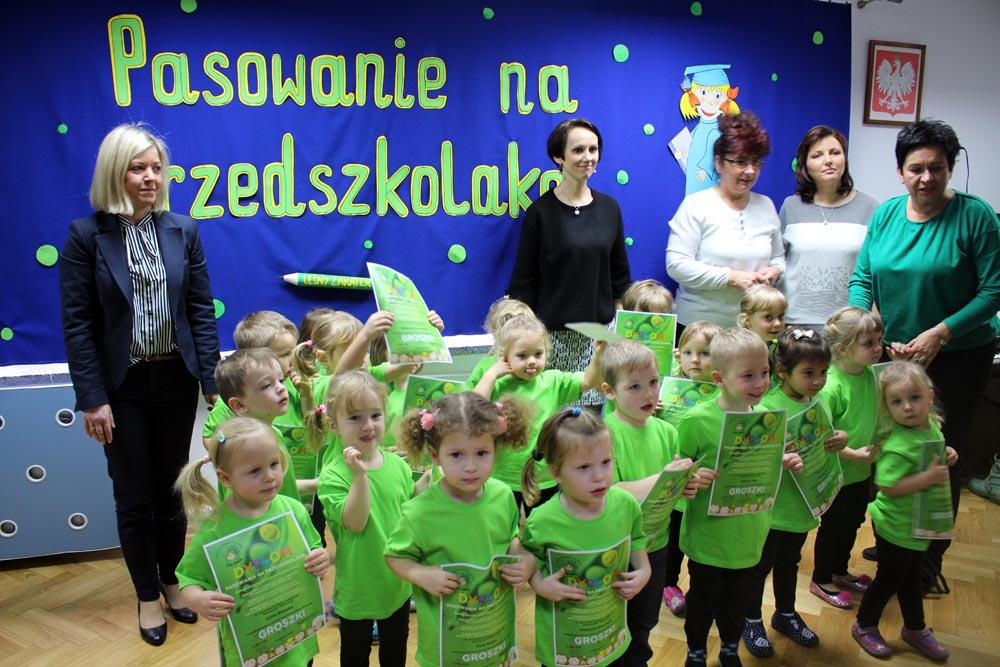 Uroczyste pasowanie na Przedszkolaka grupy Groszki
