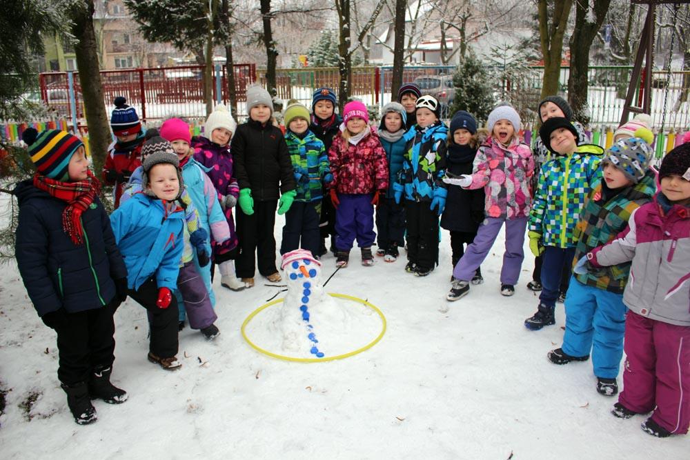 Zimowe zawody na śniegu połączone z poznawaniem zwyczajów Eskimosów