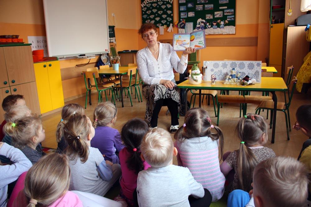 Spotkanie autorskie z autorką książek dla dzieci panią Barbarą Ciemską Gdzie bezpiecznie można bawić się zimą