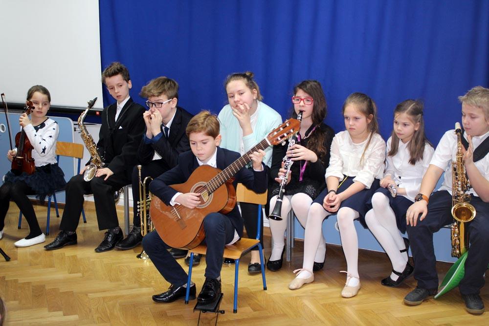 Koncert warszawskiej szkoły muzycznej dla przedszkolaków