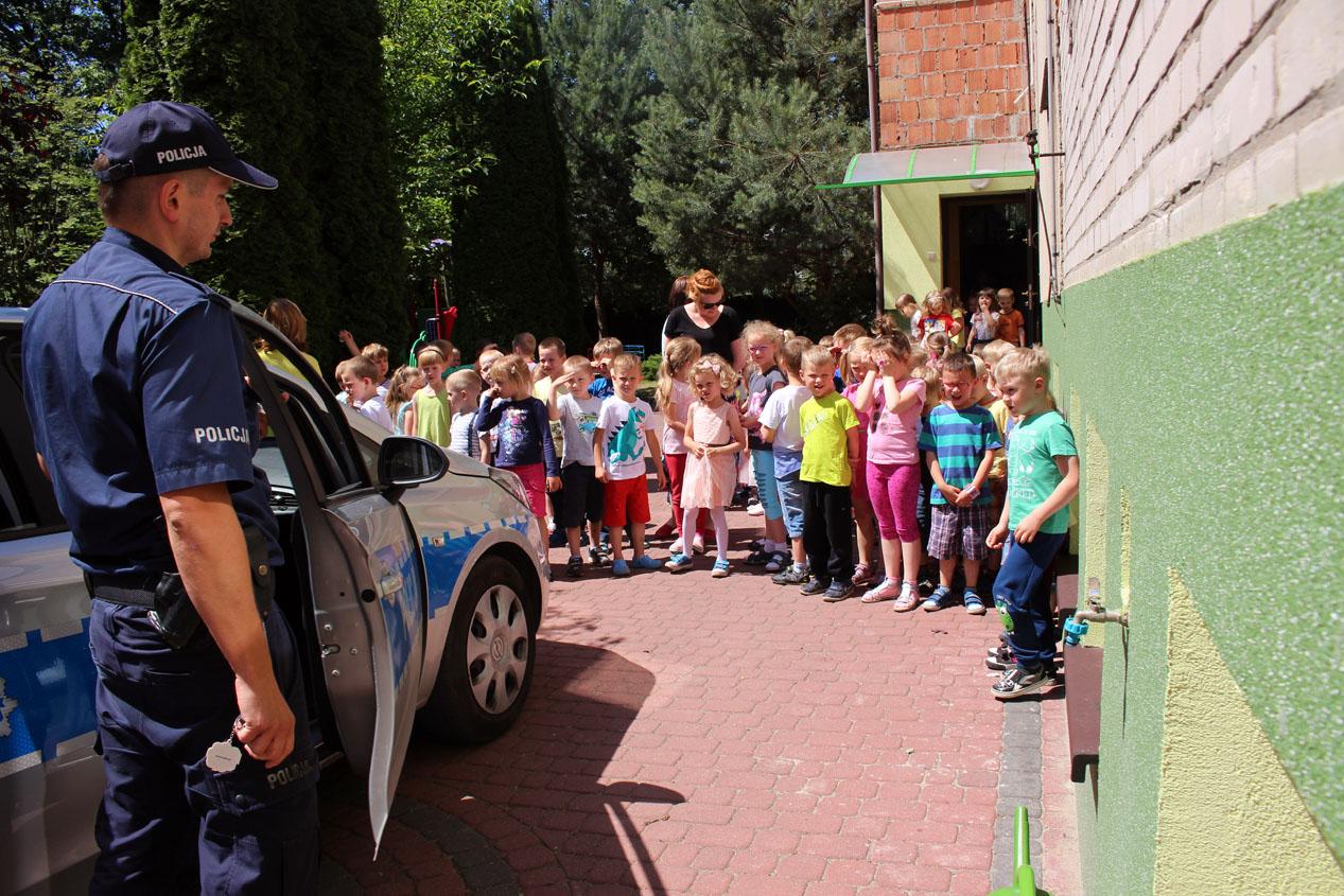 """Spotkanie z policją – """"Bezpieczeństwo na wakacyjnych szlakach"""";"""