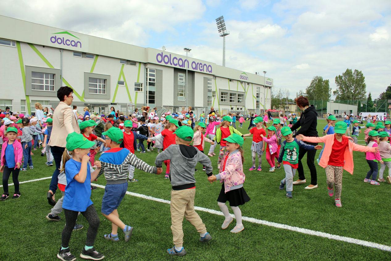 Olimpiada Międzyprzedszkolna na Stadionie Miejskiego Ośrodka Sportu i Rekreacji