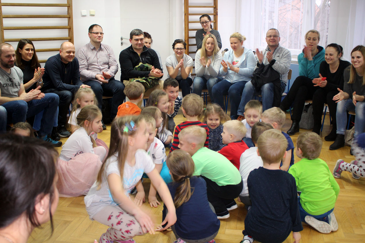 """Zajęcie otwarte dla rodziców w Kryształkach  """"Sklep wielobranżowy SOSENKA"""""""