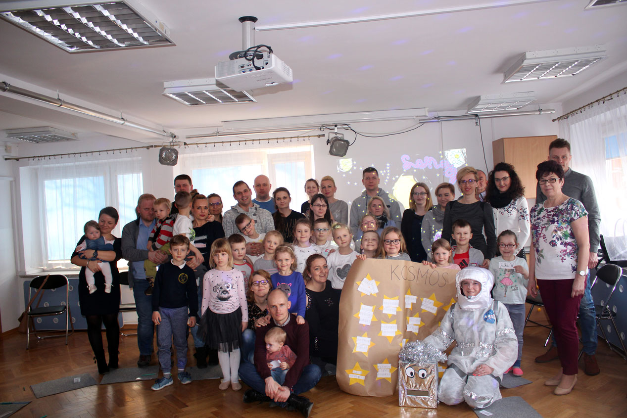 """Zajęcia otwarte dla rodziców w Maczkach """"Kosmiczna zabawa"""""""