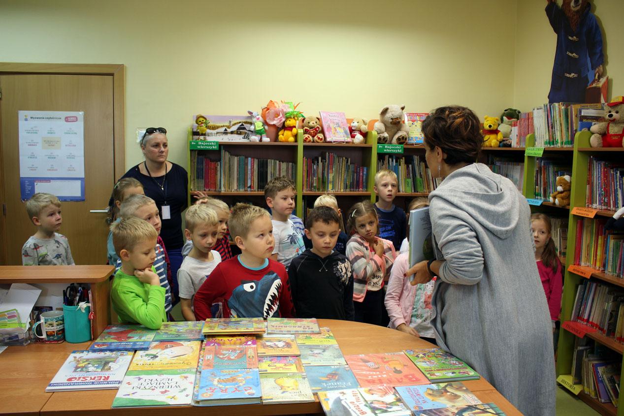 Zajęcia edukacyjne w szkolnej bibliotece w Szkole Podstawowej nr2 w Ząbkach – Kryształki
