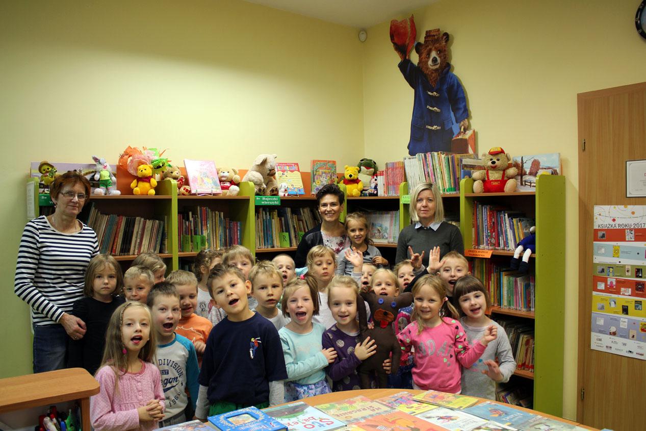 Zajęcia edukacyjne w szkolnej bibliotece w Szkole Podstawowej nr2 w Ząbkach – Groszki;